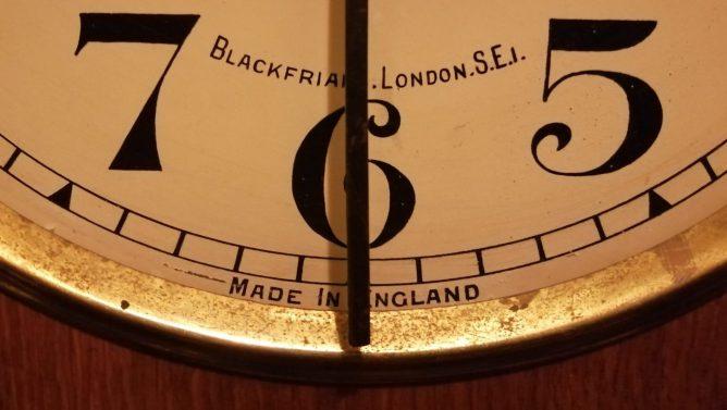 Clock showing half past