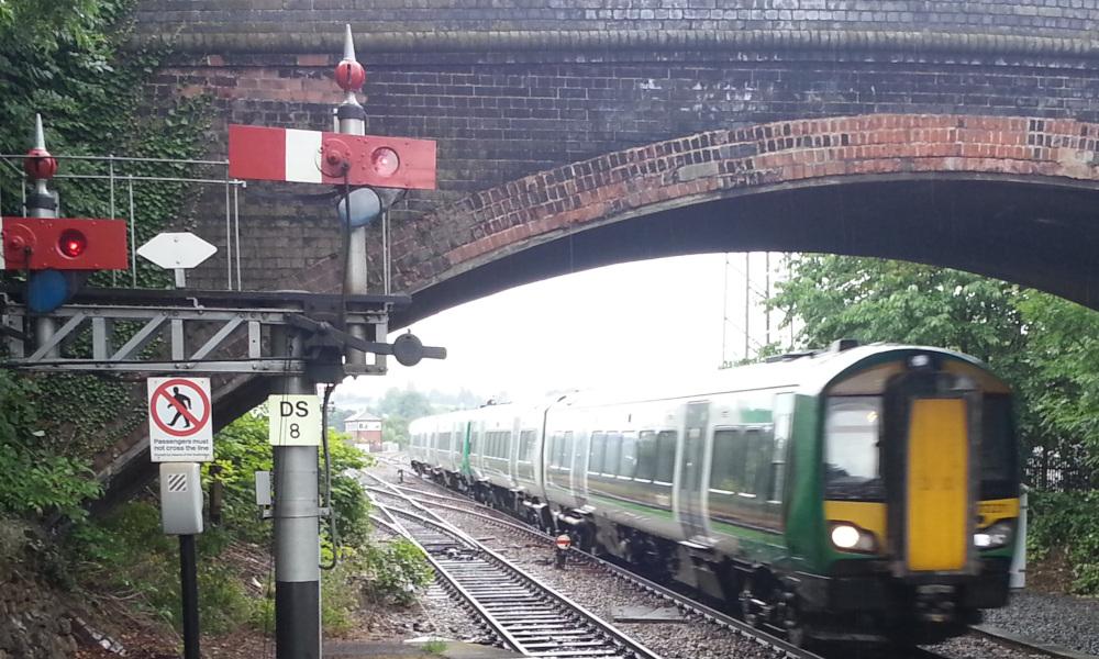 Improving regional rail - Train approaching Droitwich